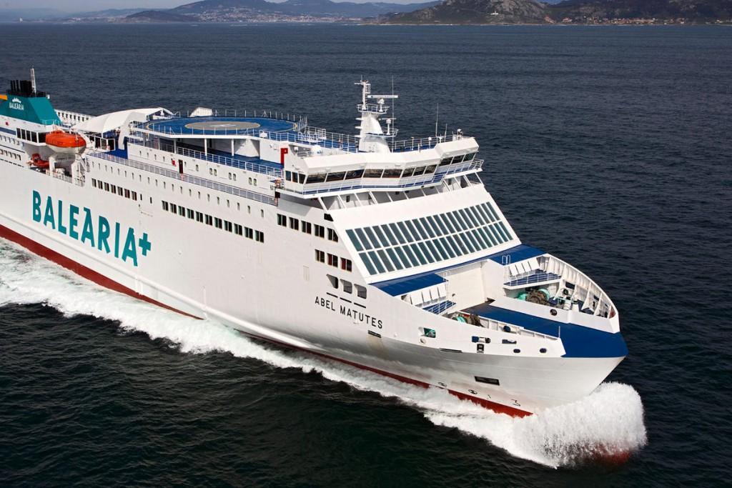 El primer ferri de España con un motor a GNL surca ya el Mediterráneo. Foto: GNF