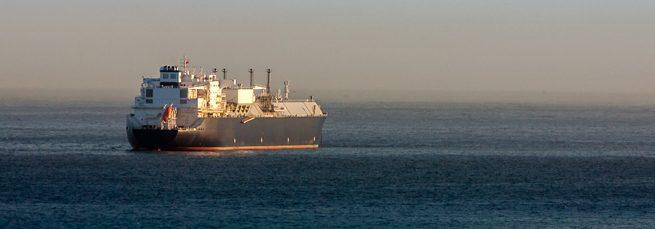 Gas natural licuado: el futuro inmediato del transporte sostenible en el mar