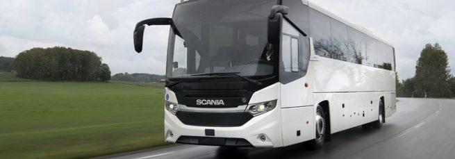 Scania presenta el primer autobús de larga distancia con motor GNL